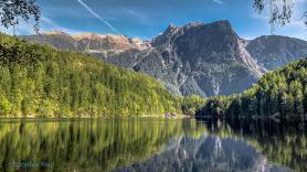 Pohled na jezero Piburger See, Rakousko