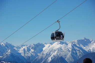 Pohled na lanovku ve Skiregionu Hochoetz