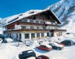 Rakouský hotel Alpenland v zimě